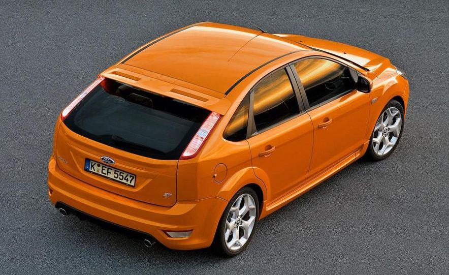 2009 Ford Focus RS (European model) - Slide 26