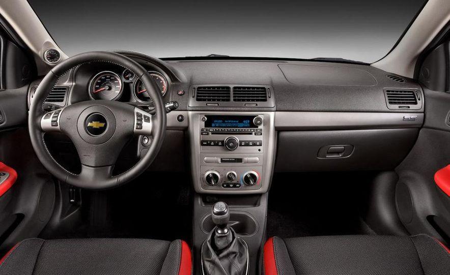 2010 Chevrolet Camaro SS - Slide 11