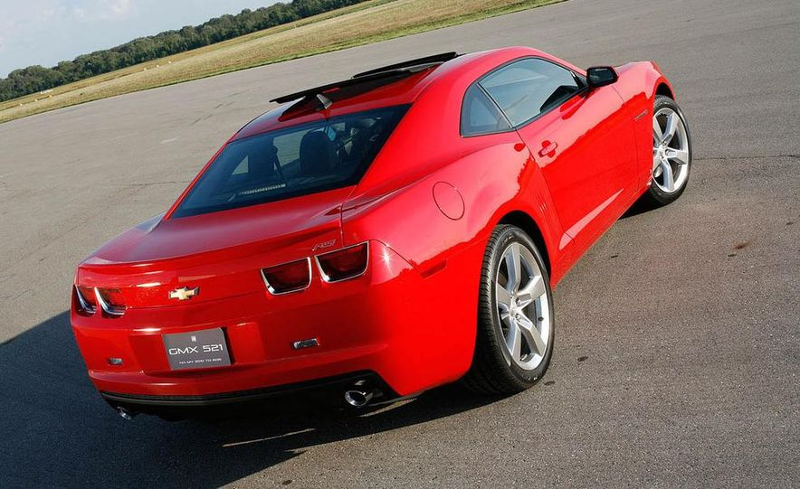 2010 Ford Mustang GT coupe - Slide 16