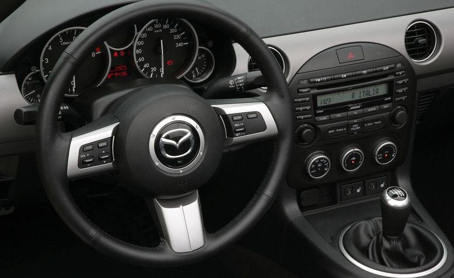 2010 Ford Taurus SHO - Slide 19