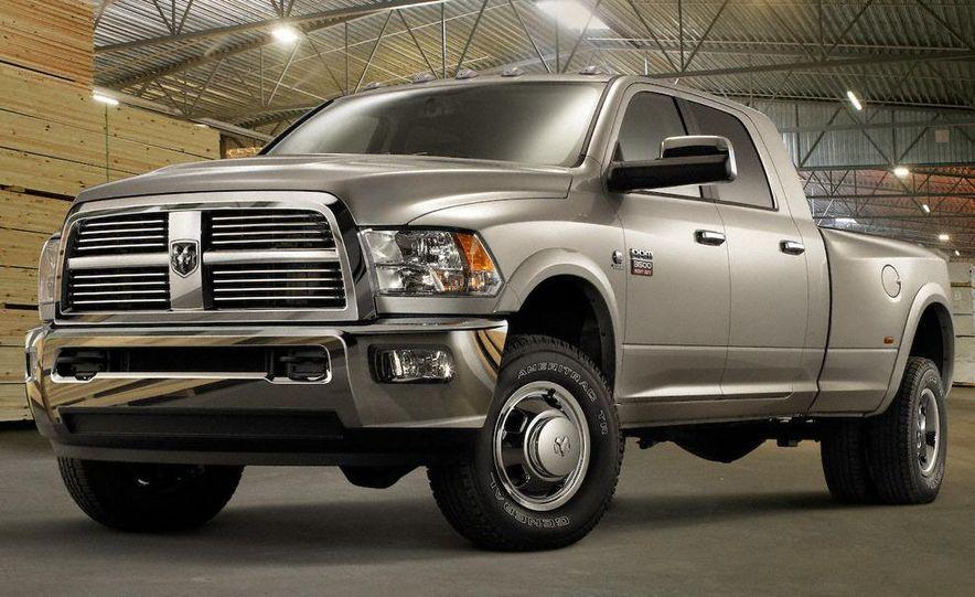 2010 Ford Taurus SHO - Slide 13