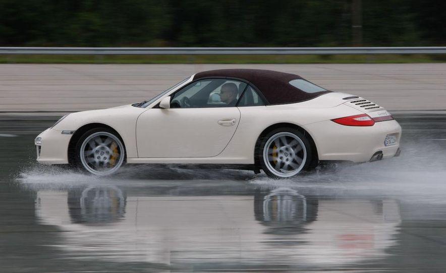 2009 Porsche 911 Carrera 4S coupe - Slide 30