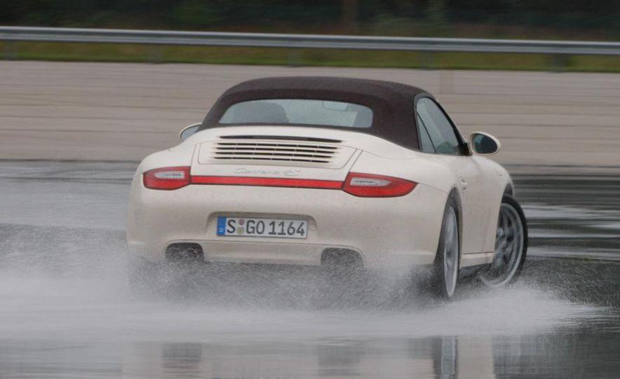 2009 Porsche 911 Carrera 4S coupe - Slide 31