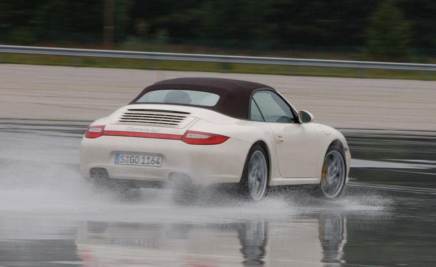 2009 Porsche 911 Carrera 4S coupe - Slide 33