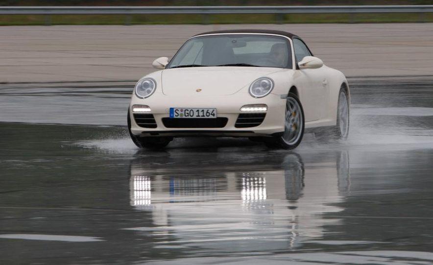 2009 Porsche 911 Carrera 4S coupe - Slide 34