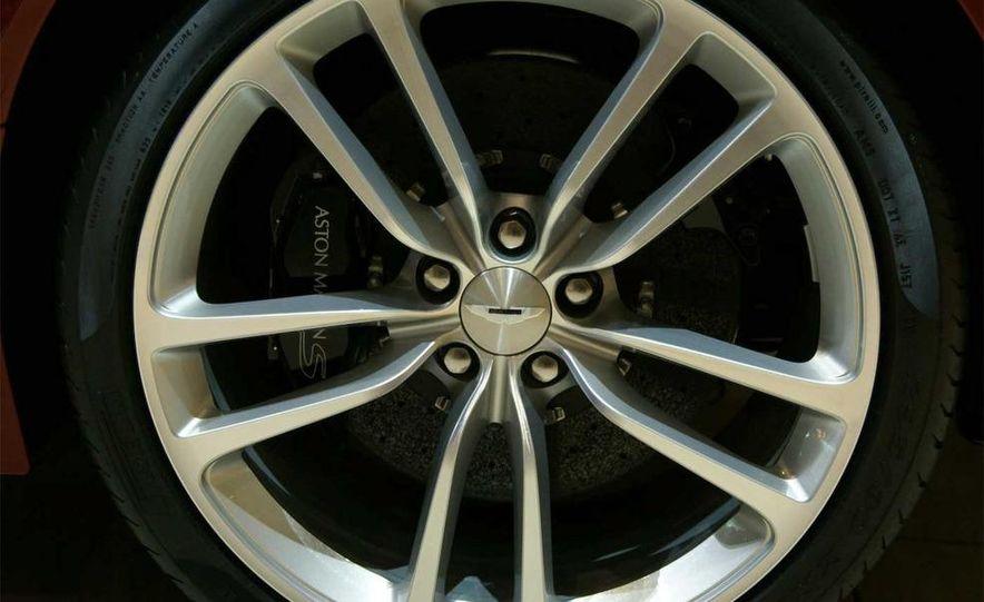 2010 Aston Martin DBS Volante - Slide 24