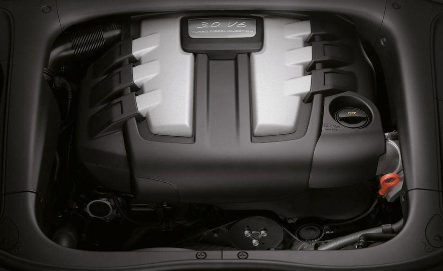2011 Porsche Cayenne S hybrid - Slide 15
