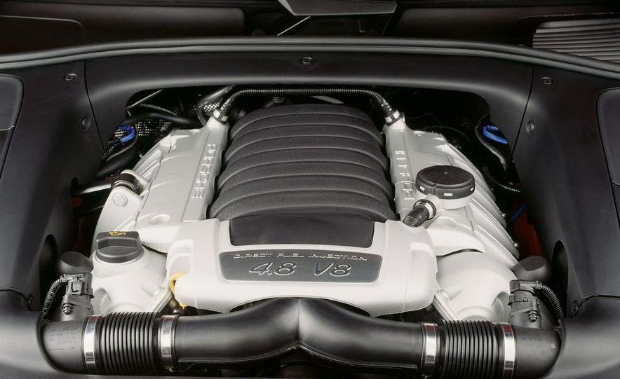 2011 Porsche Cayenne S hybrid - Slide 24