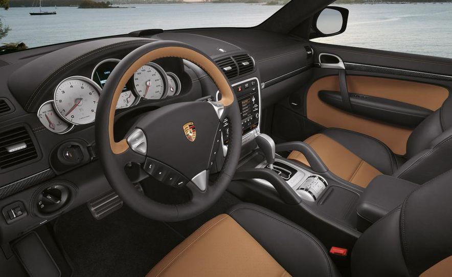 2011 Porsche Cayenne S hybrid - Slide 32