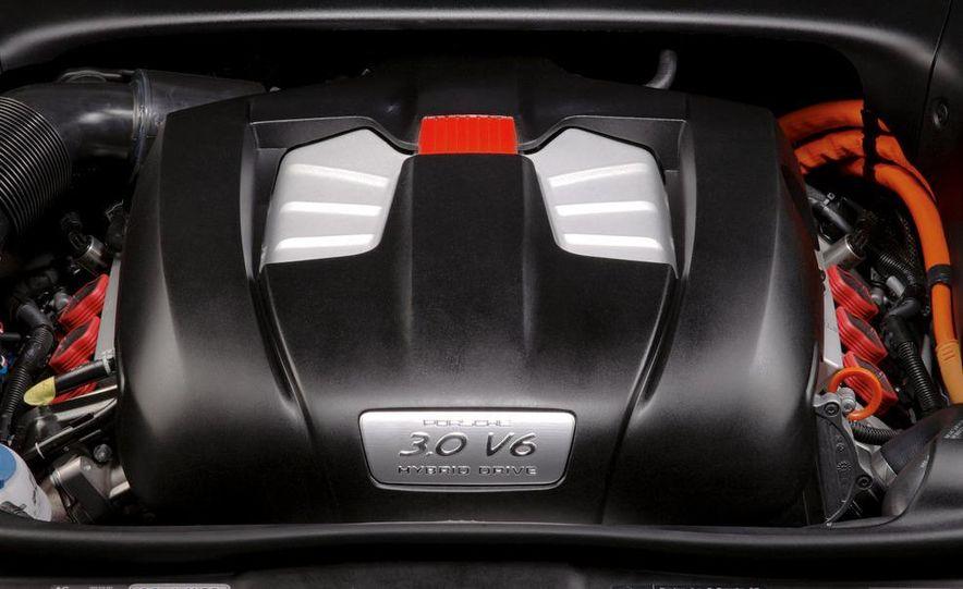 2011 Porsche Cayenne S hybrid - Slide 6