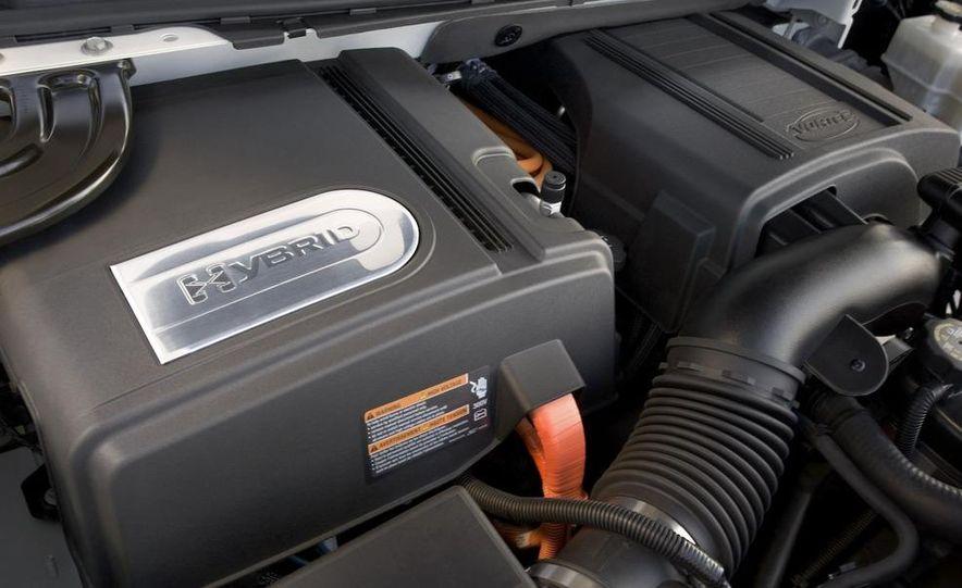 2009 Cadillac Escalade hybrid wheel - Slide 3
