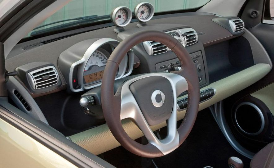 2009 Smart Fortwo Cabriolet Limited Edition Three instument panel and steering wheel - Slide 1