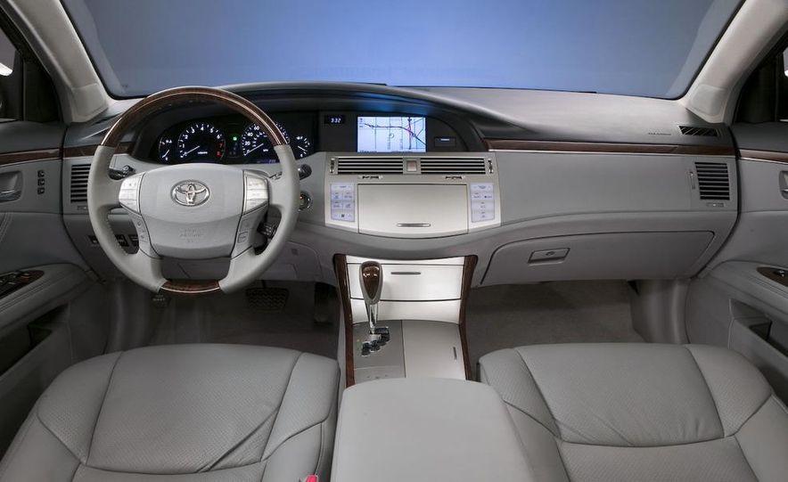 2009 Toyota Avalon Limited - Slide 13