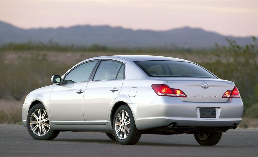 2009 Toyota Avalon Limited - Slide 4