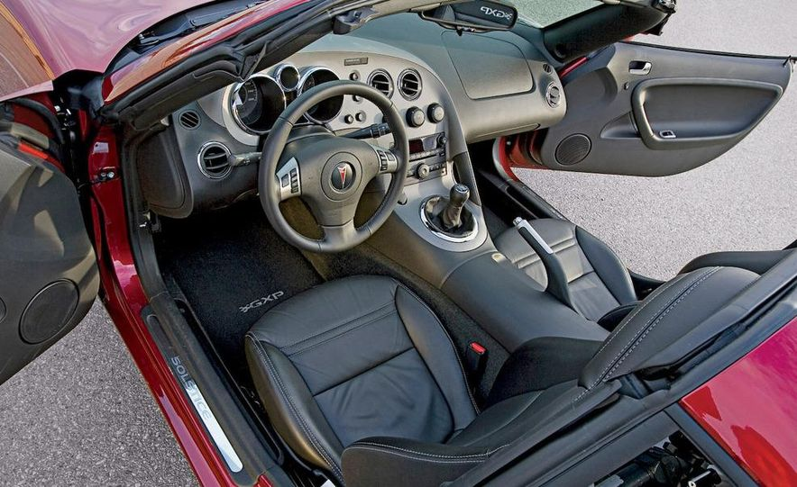 2009 Pontiac Solstice GXP coupe - Slide 2