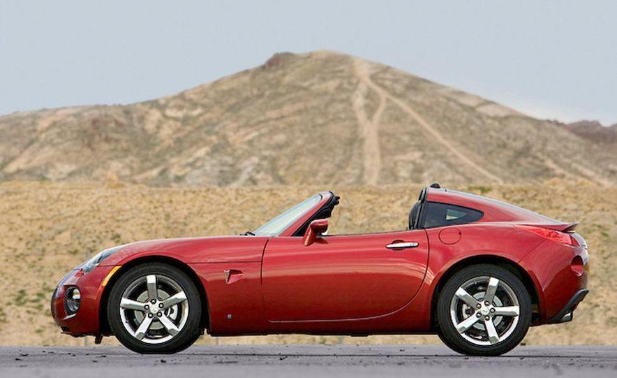 2009 Pontiac Solstice GXP coupe - Slide 7