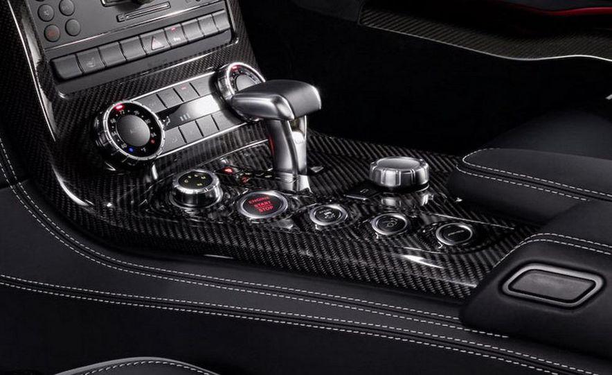 2011 Mercedes-Benz SLS AMG dry-sump oil lubrication system diagram - Slide 47