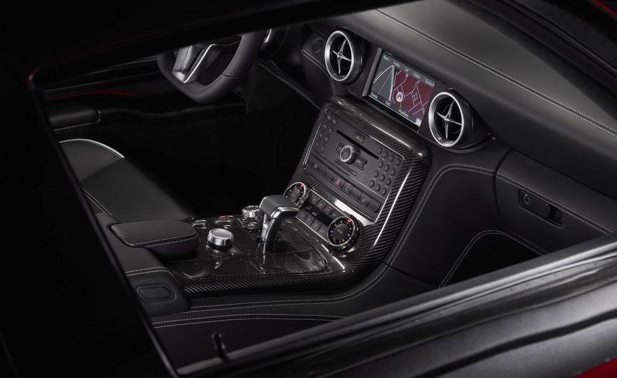 2011 Mercedes-Benz SLS AMG dry-sump oil lubrication system diagram - Slide 42
