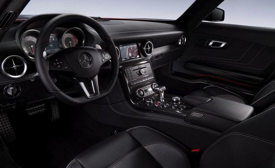 2011 Mercedes-Benz SLS AMG dry-sump oil lubrication system diagram - Slide 45