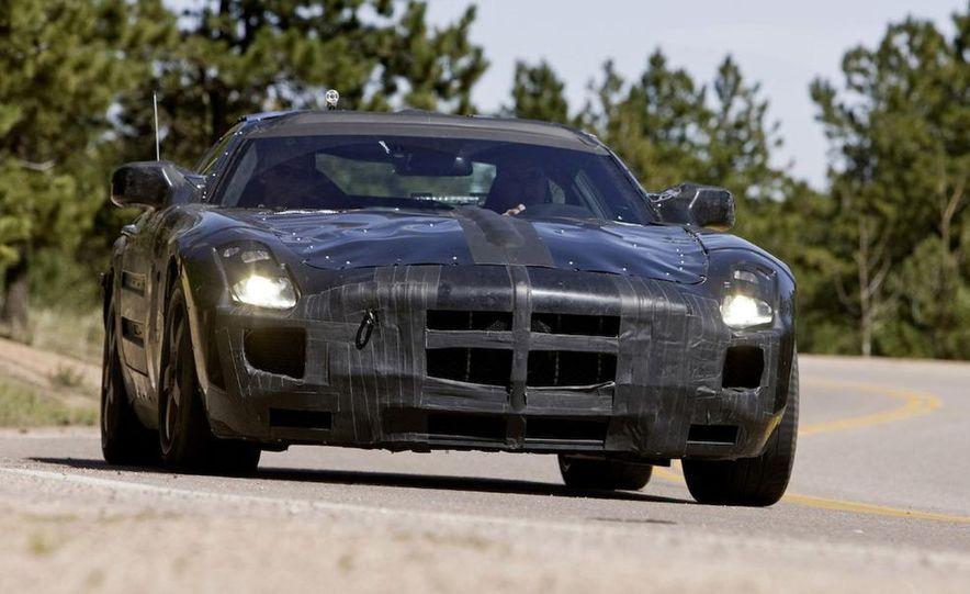 2011 Mercedes-Benz SLS AMG dry-sump oil lubrication system diagram - Slide 38