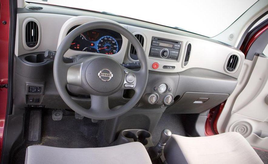 2010 Nissan Cube S - Slide 25