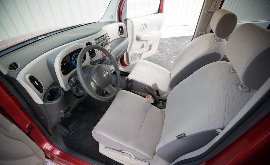 2010 Nissan Cube S - Slide 26