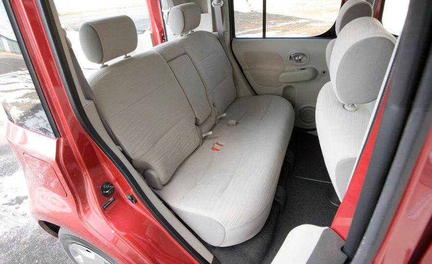 2010 Nissan Cube S - Slide 30