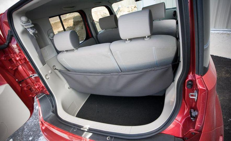 2010 Nissan Cube S - Slide 32