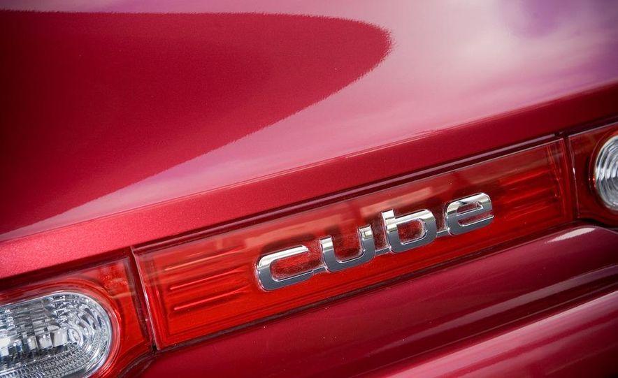 2010 Nissan Cube S - Slide 21