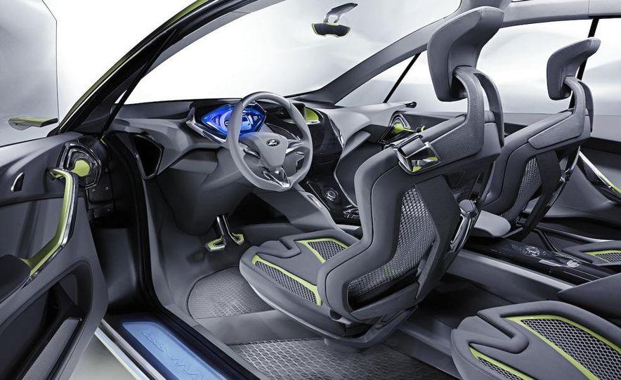 Ford Iosis Max concept interior - Slide 1