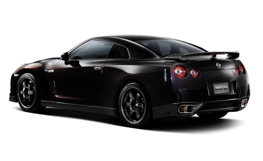 2011 Nissan GT-R Spec V - Slide 5
