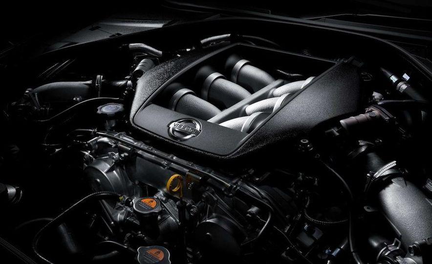 2011 Nissan GT-R Spec V - Slide 10