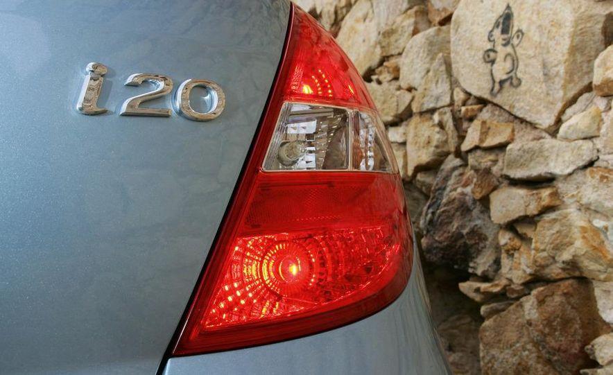 2009 Hyundai i20 5-door - Slide 9