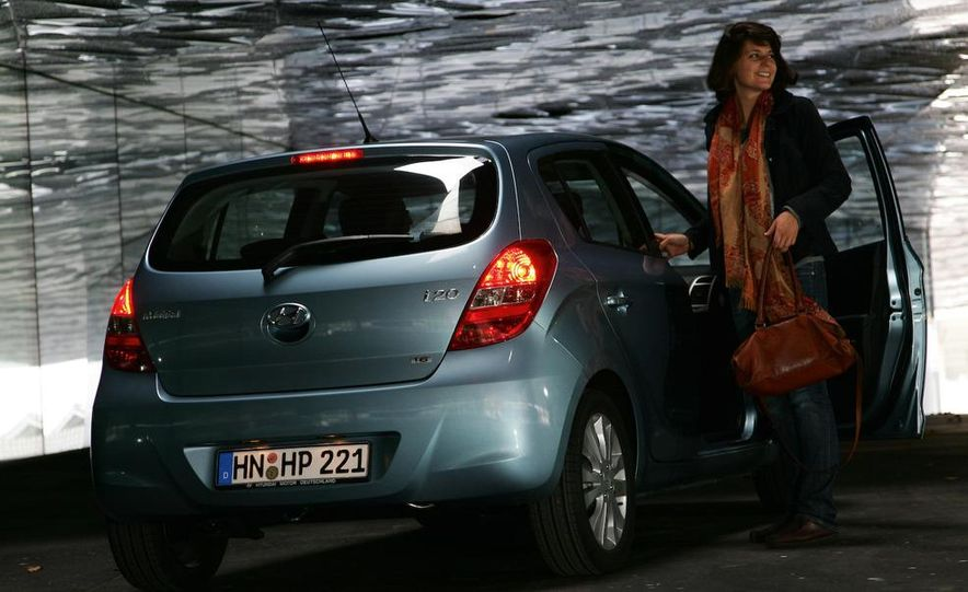 2009 Hyundai i20 5-door - Slide 2