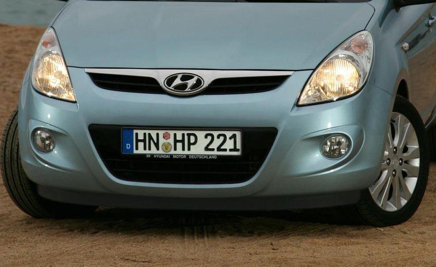 2009 Hyundai i20 5-door - Slide 18