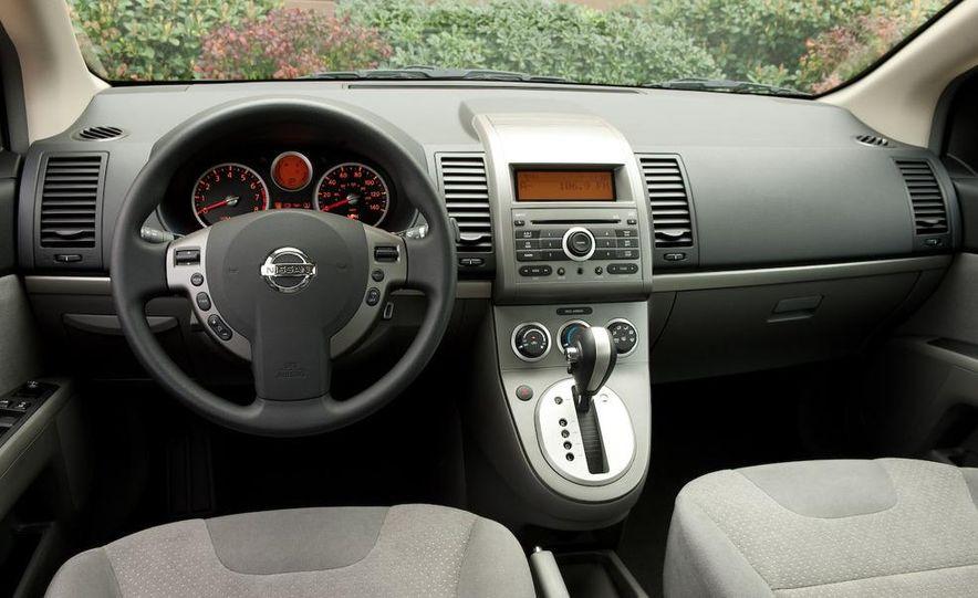 2009 Nissan Sentra FE+ 2.0 SR - Slide 21