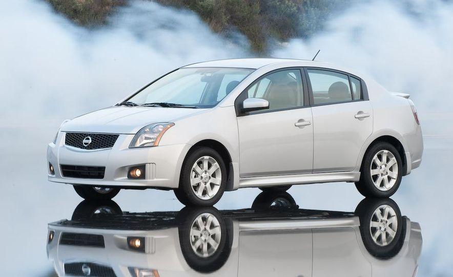 2009 Nissan Sentra FE+ 2.0 SR - Slide 4
