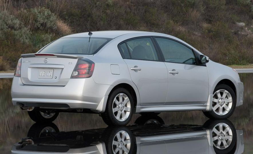 2009 Nissan Sentra FE+ 2.0 SR - Slide 8