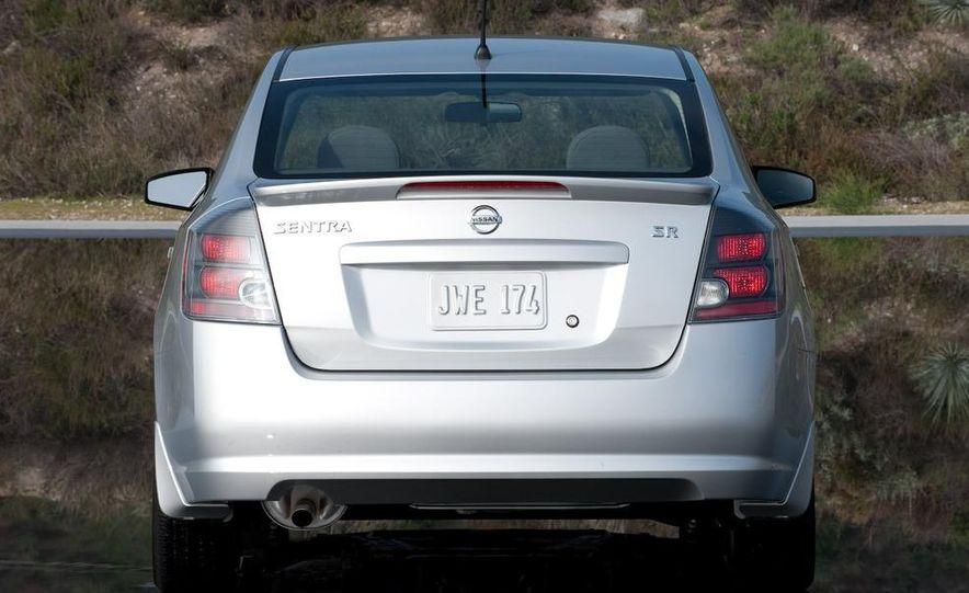 2009 Nissan Sentra FE+ 2.0 SR - Slide 14