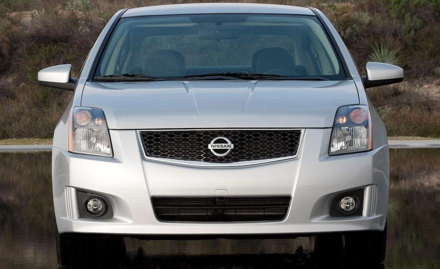 2009 Nissan Sentra FE+ 2.0 SR - Slide 18