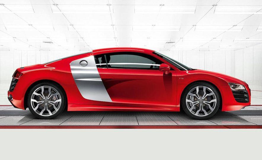 2010 Audi R8 5.2 V-10 FSI Quattro - Slide 6