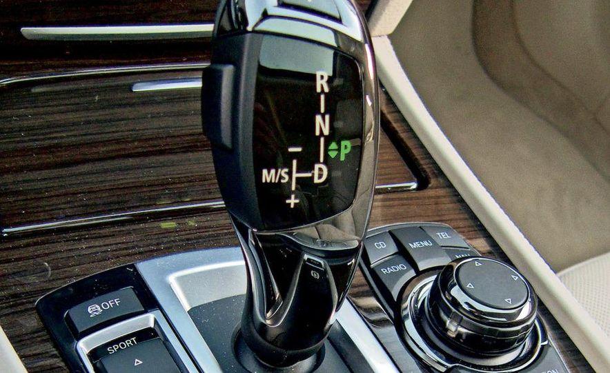 2009 Mercedes-Benz S550 and 2009 BMW 750Li - Slide 7
