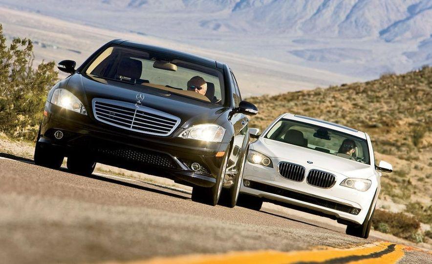 2009 Mercedes-Benz S550 and 2009 BMW 750Li - Slide 1