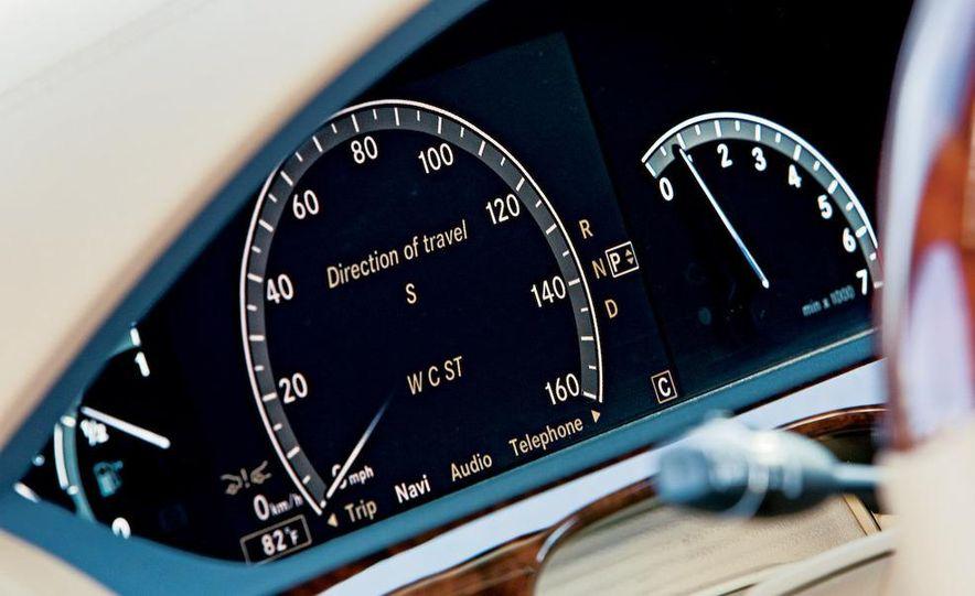 2009 Mercedes-Benz S550 and 2009 BMW 750Li - Slide 15