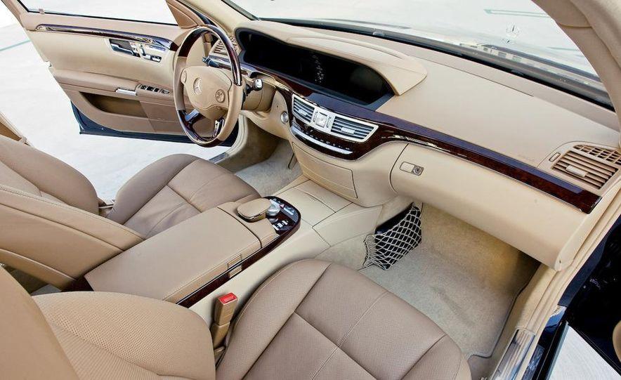 2009 Mercedes-Benz S550 and 2009 BMW 750Li - Slide 14
