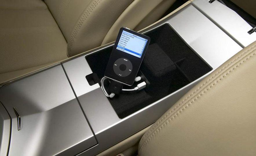2009 Cadillac CTS - Slide 16