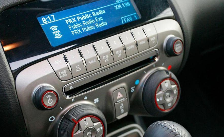 2010 Chevrolet Camaro SS wheel and fender badge - Slide 17