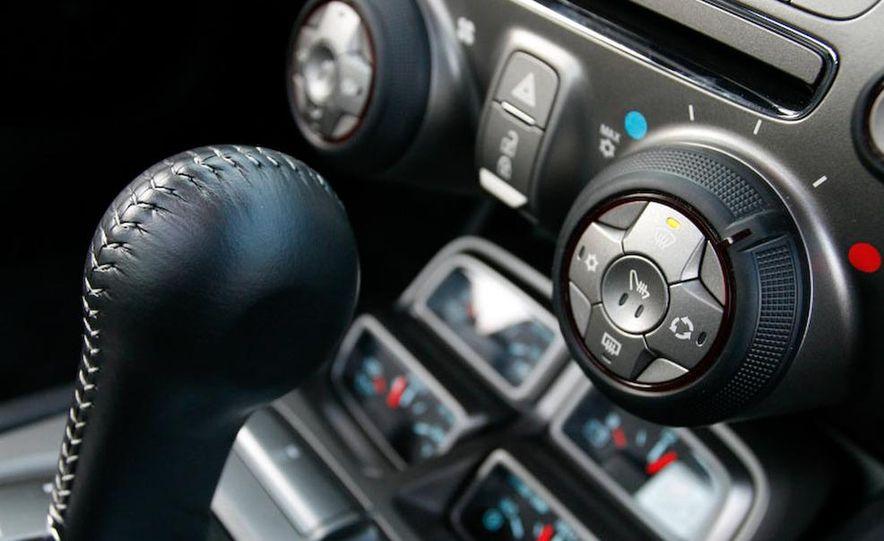 2010 Chevrolet Camaro SS wheel and fender badge - Slide 20