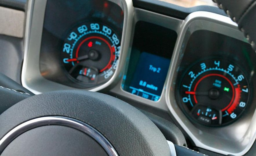 2010 Chevrolet Camaro SS wheel and fender badge - Slide 16