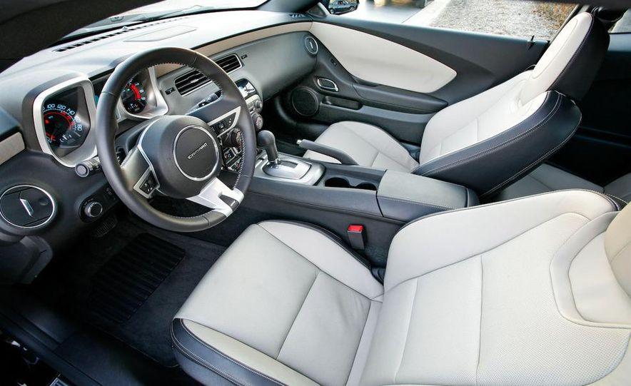 2010 Chevrolet Camaro SS wheel and fender badge - Slide 15